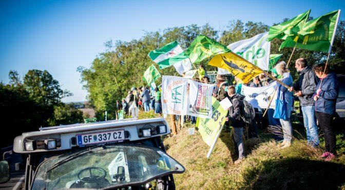 La Via Campesina e outras organizações apelam no dia da luta agrária à defesa dx agricultor/a camponês/a, uma espécie em extinção